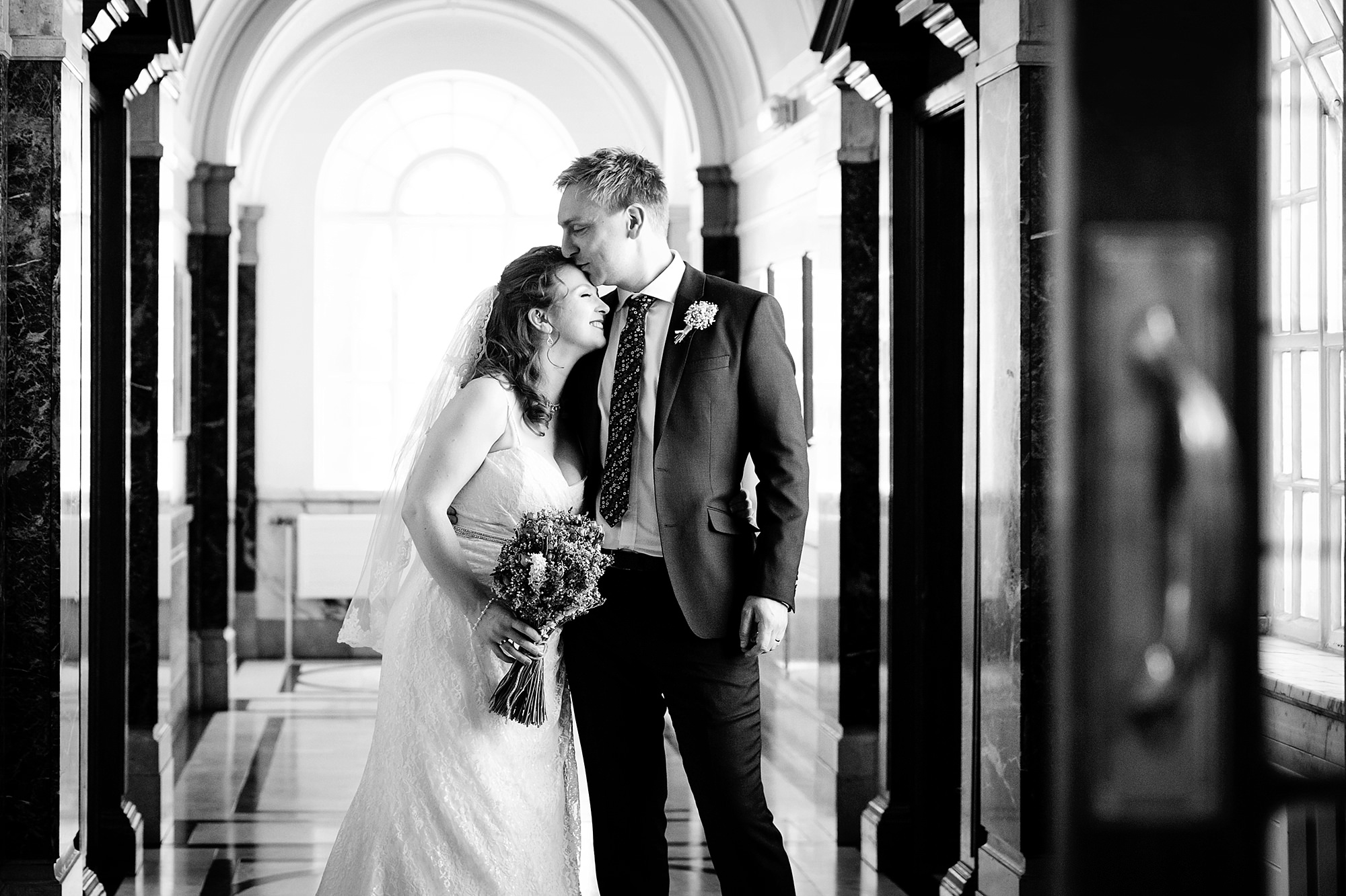 oyster shed wedding bride and groom in islington town hall