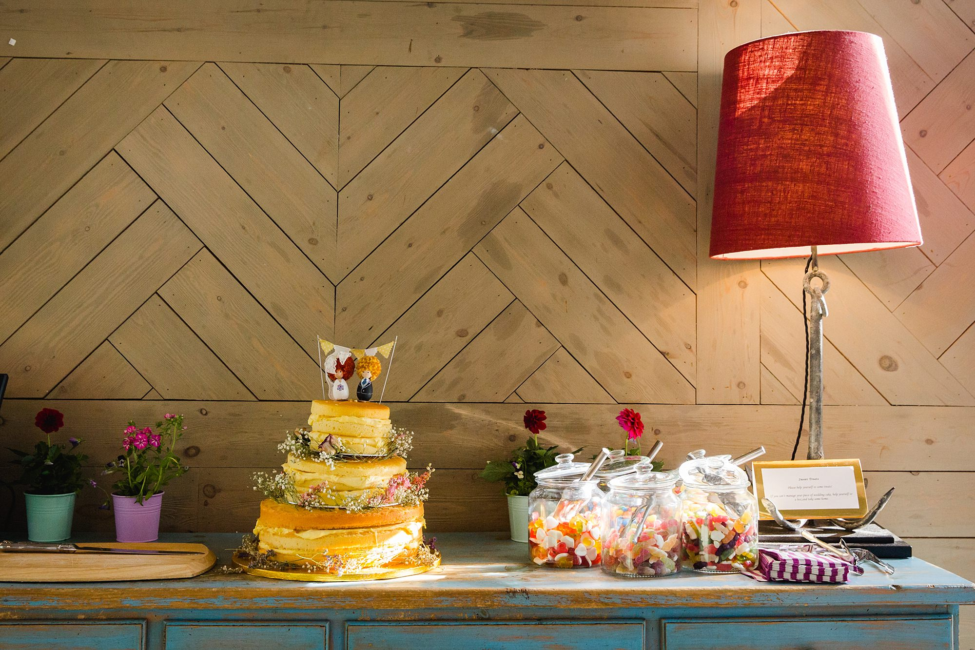 oyster shed wedding wedding cake and sweetie table