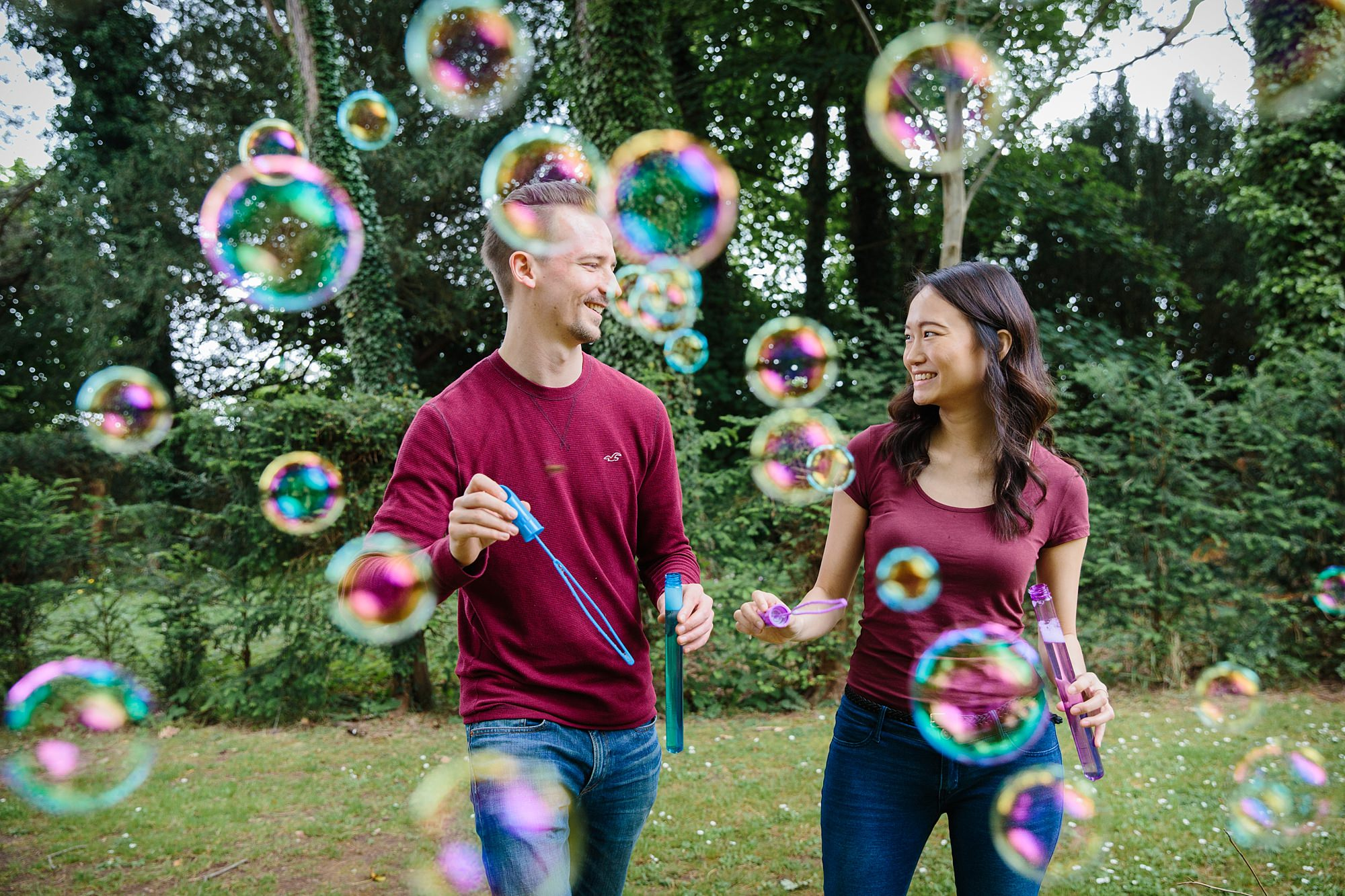 Cardiff couples shoot with bubbles