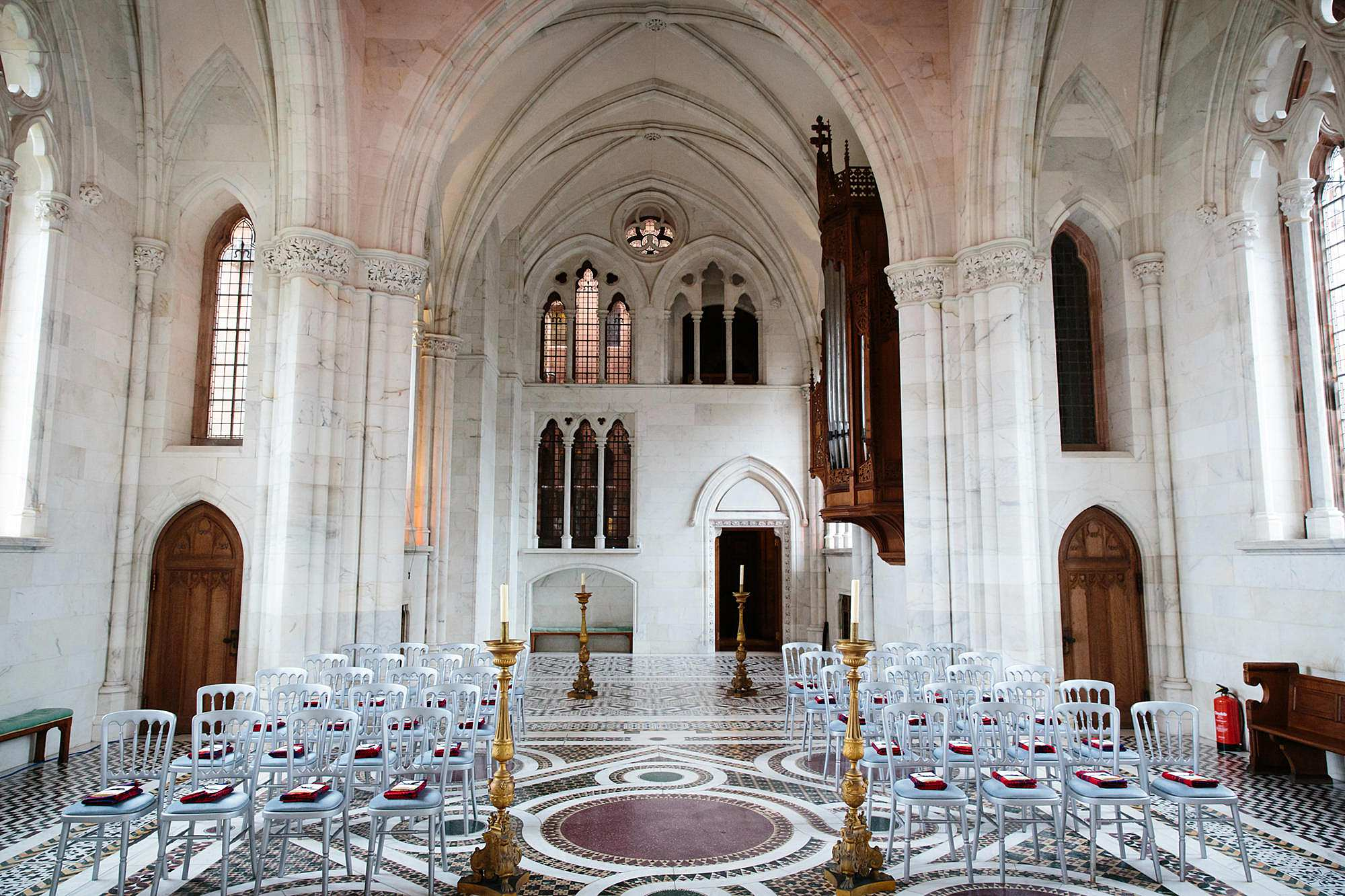 intimate wedding scotland mount stuart marble chapel