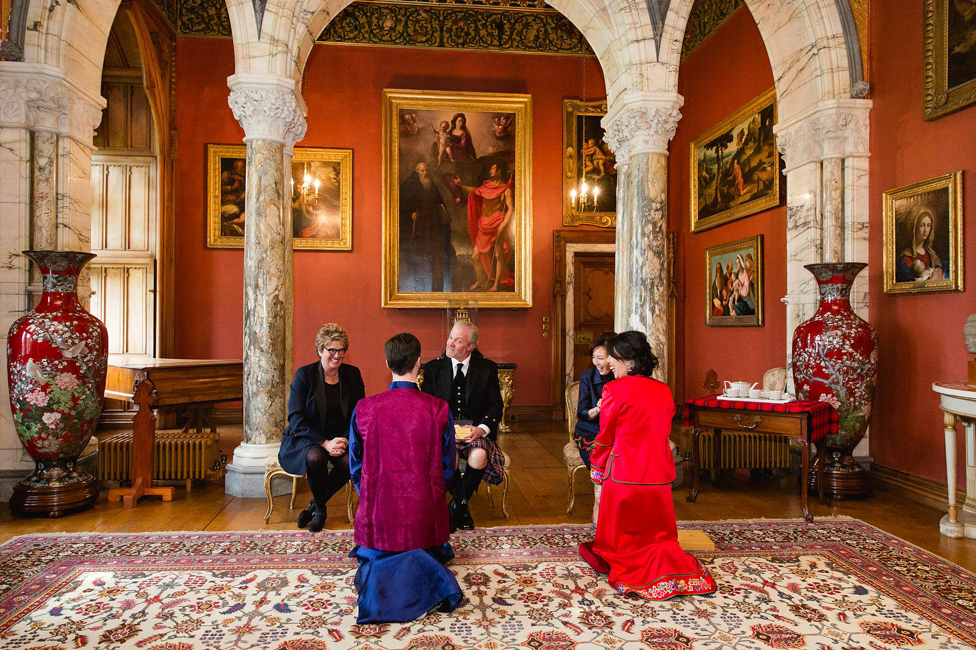 intimate wedding scotland chinese tea ceremony at mount stuart