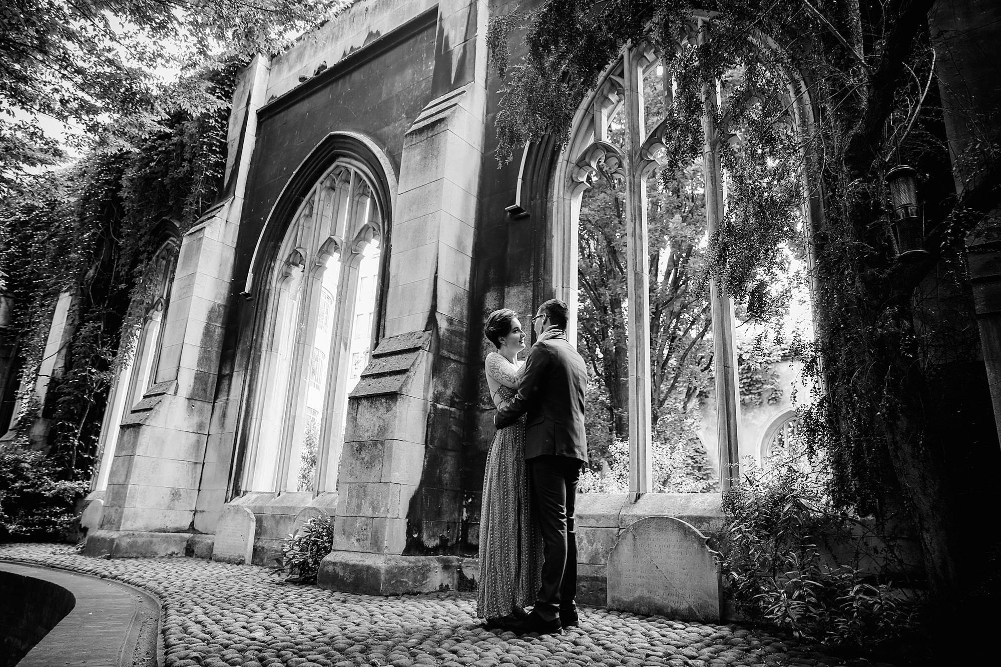 london engagement session in church ruins
