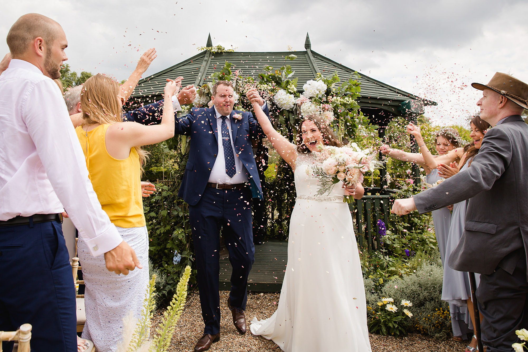 fun outdoor wedding confetti picture