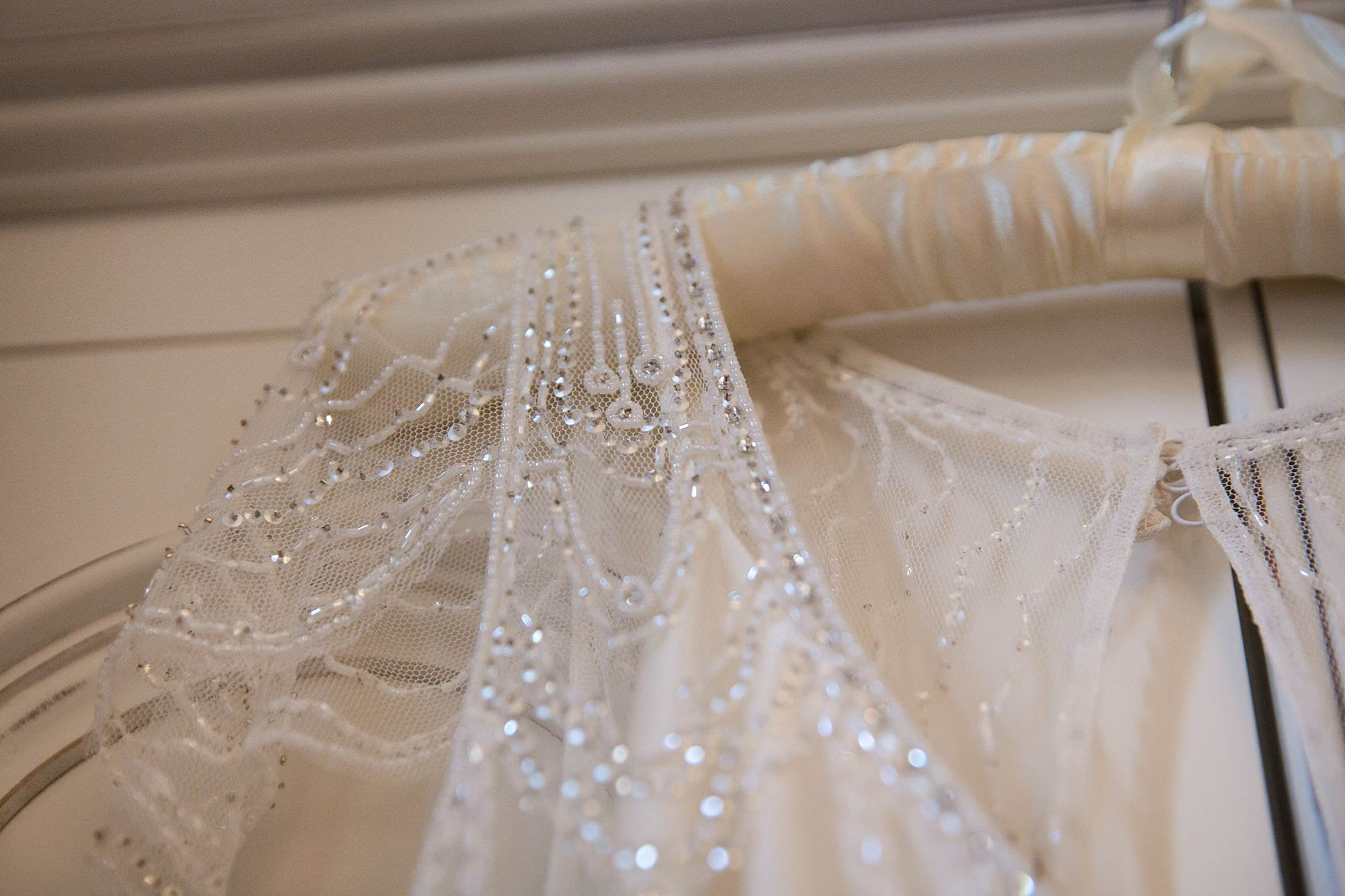 lace shoulder details of wedding dress