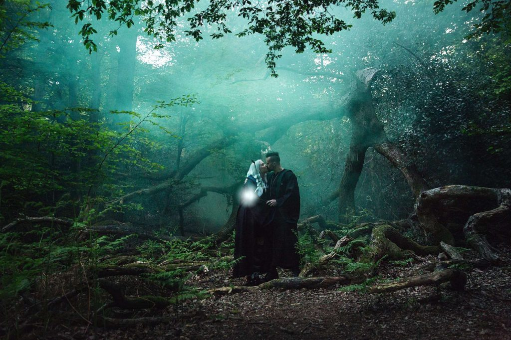 Harry Potter engagement shoot – Julia and Paul in the Forbidden Forest