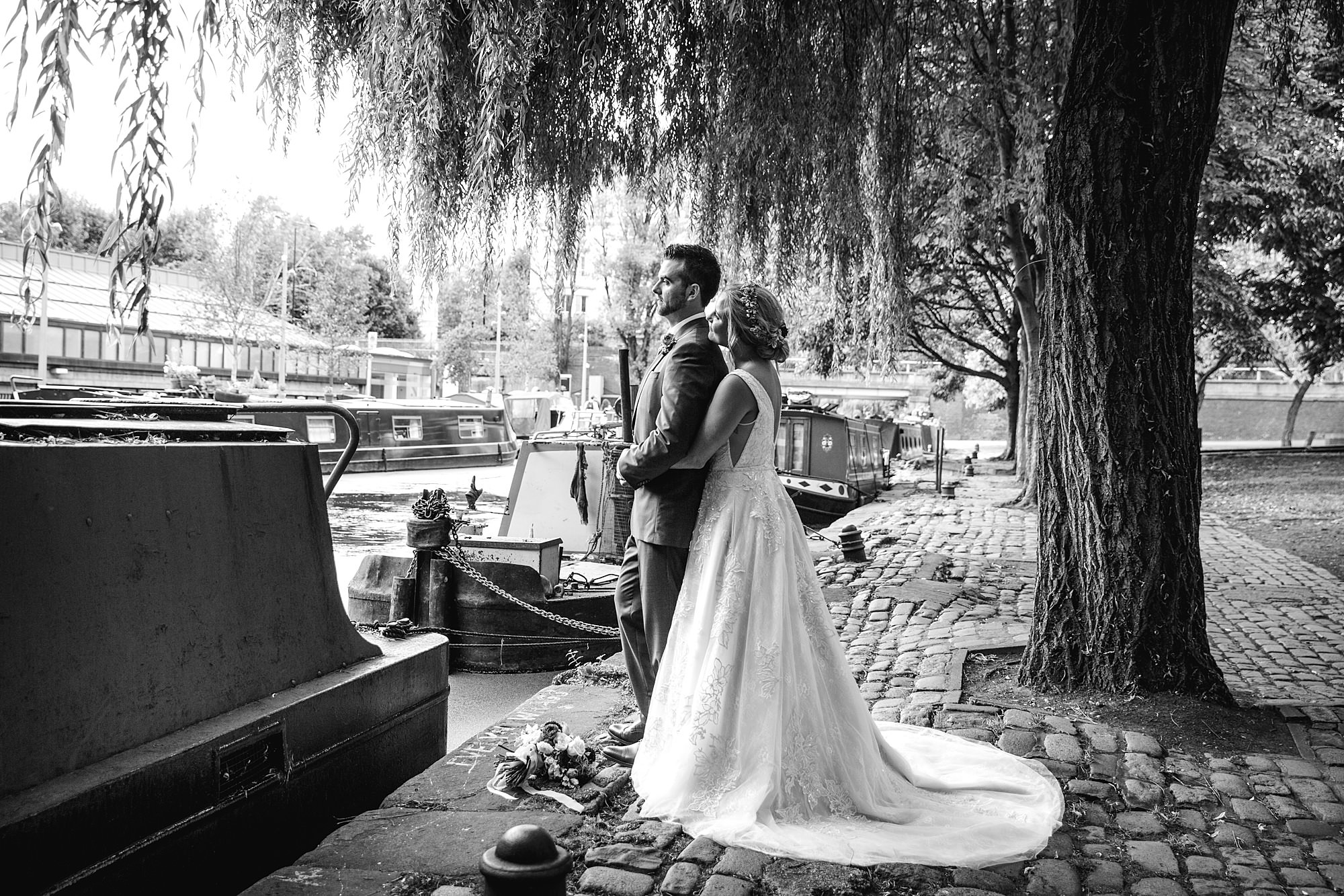 bride and groom by paddington canal